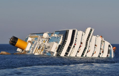 cruise-ship-costa-concordia-capsize